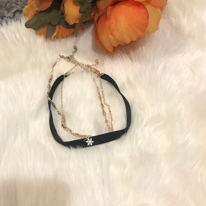 Set of 3 chokers, black and gold chain